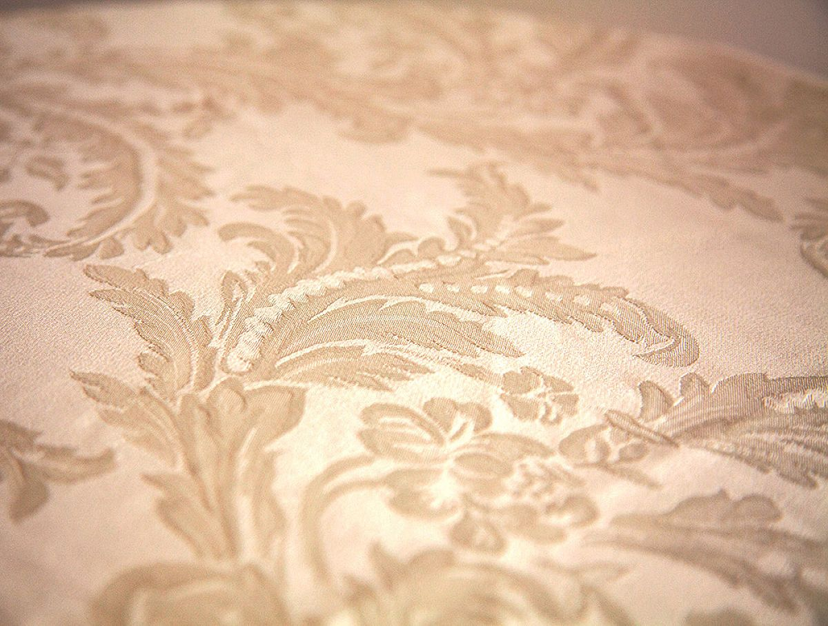 Damask Table Cloths 90 x 90 - Gold