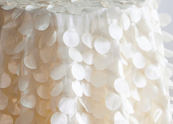 Petal Taffeta Table Cloth 132 - Ivory