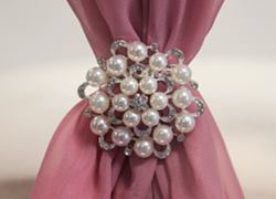 Pearl Galore Brooch M4446 Ivory - 6 Pack