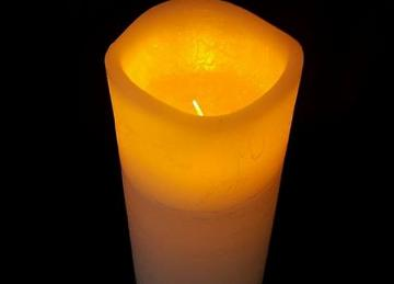 LED Wax Church Candles 7.5cm x 15cm (large)